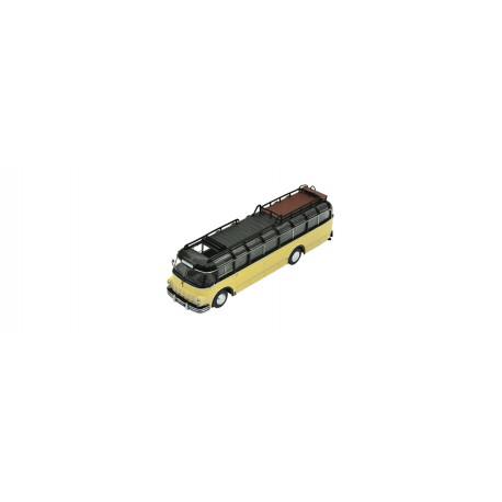 Vehículo Saurer omnibus.