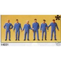 Obreros con buzo.