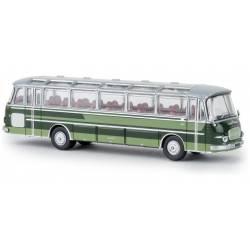 Autobus Setra S 12, verde.