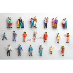 Lote de 100 figuras pintadas.
