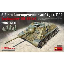 Jagdpanzer SU-85(r) con tripulación.