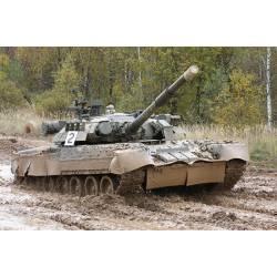 Carro de combate ruso T-80U MBT.
