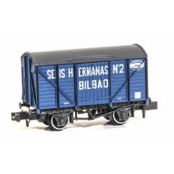 """Closed wagon """"Seis Hermanas""""."""