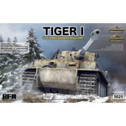 Tiger I, producción inicial, con interiores.