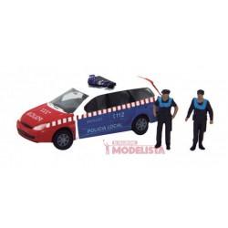 Ford Focus con Policías locales.