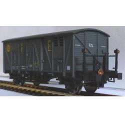 Vagón cerrado gris TE con faroles de cola. KTRAIN 0703I