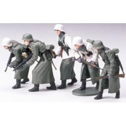 Infantería de asalto alemana invierno. TAMIYA 35256