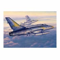 F-100C Super Sabre. TRUMPETER 02838