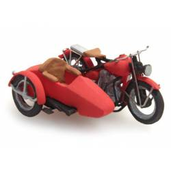 US Liberator motor red with sidecar.