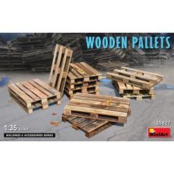 Wooden pallets (x12).