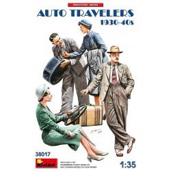 Viajeros en coche. Años 30-40.