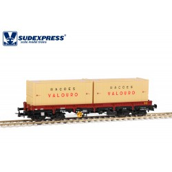 """Vagón CP Lyv, con contenedores """"RAÇOES VALOURO""""."""