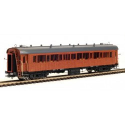 Coche de madera 3ª clase RENFE largo recorrido.