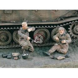 Carristas alemanes desayunando.