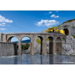 Gran viaducto en curva.