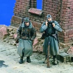 Frío! Dos soldados de infantería en invierno. VERLINDEN 1605