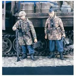 Fallschirmjager MG Team.