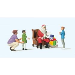 Papa Noel con niños.