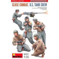 Close combat US tank crew.