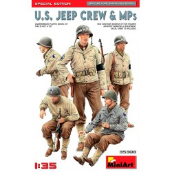 US Jeep crew and MPs.