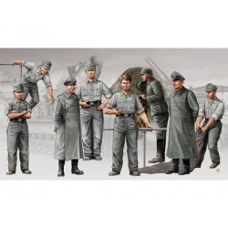 "German artillery crew ""Mörser Karl""."