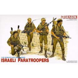 Paracaidistas estadounidenses.