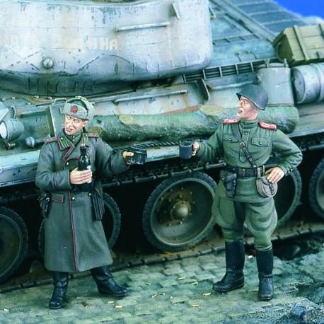 Soviet Officers WWII. VERLINDEN 1896