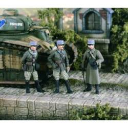French Officers 1940. VERLINDEN 2350