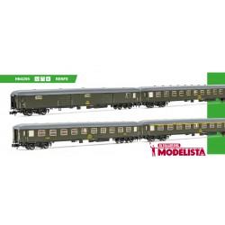 Set de tres coches 8000 y furgón, RENFE.