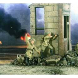 Soldados del ejército rojo cargando. WWII. VERLINDEN 2203
