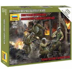 Equipo de asalto soviético.
