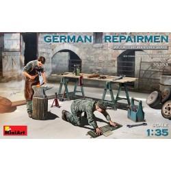 Equipo de reparación de tanques alemanes.