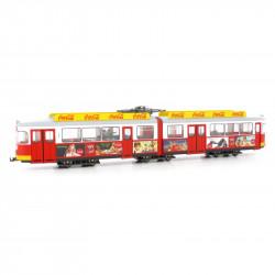 Tranvía de dos coches, decoración Coca Cola.