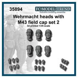 Cabezas Wehrmacht con gorra.