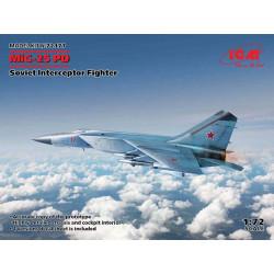 MiG-25 PD Caza interceptor soviético.