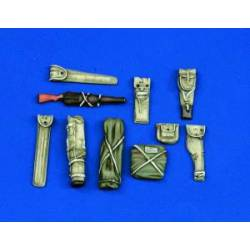 Bags and packs for military vehicles. VERLINDEN 813