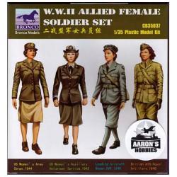 WWII Allied female soldier set.