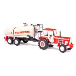 Tractor Fortschr ZT303 con cisterna.