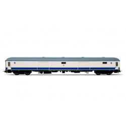 Luggage van D8-8100, RENFE. Largo Recorrido livery.
