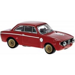 Alfa Romeo GTA 1300, rojo.