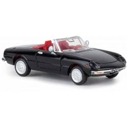 Alfa Romeo Spider 2000, negro.