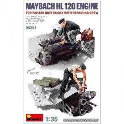 Maybach HL 120 engine and repair crew.