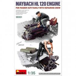 Motor Maybach HL 120 con equipo de reparación.