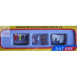 Mujeres tendiendo ropa. ANESTE 3233