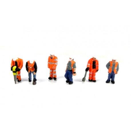 Trackside workers. GRAHAM FARISH 379-309