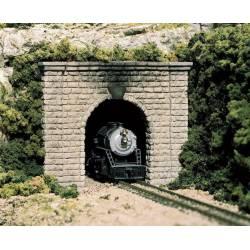 Boca de túnel de una vía.
