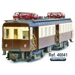 UT-300, brown livery, RENFE. IBERTREN 46041