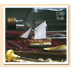 Golden Yacht. Barco en botella. AMATI MODELS 1350