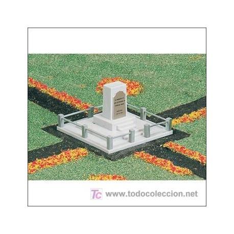 Monument. BACHMANN 42218