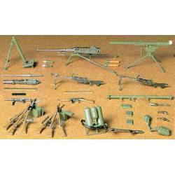 US Infantry weapons set.